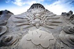 Escultura de la arena del dragón Imagen de archivo libre de regalías
