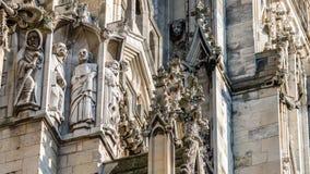 Escultura de la fachada de la iglesia de monasterio de York Fotografía de archivo