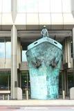 Escultura de la nave Organisatio marítimo internacional Imagenes de archivo