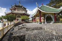 Escultura de la pagoda y del dragón del templo del Taoist en Cebú, Philip Foto de archivo