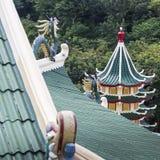 Escultura de la pagoda y del dragón del templo del Taoist en Cebú, Philip Imagen de archivo libre de regalías