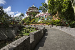 Escultura de la pagoda y del dragón del templo del Taoist en Cebú, Philip Fotos de archivo
