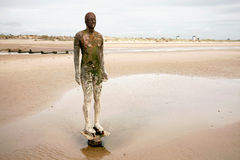 Escultura de la playa del hombre del hierro. Imagenes de archivo