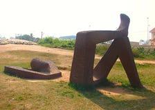 Escultura de la relajación en la playa de Shankumugham, Thiruvananthapuram, Kerala, la India Foto de archivo