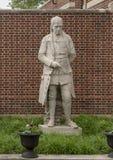 Escultura de la terracota de John McMillan de Alexander Stirling Calder, jardín presbiteriano del exterior de la sociedad históri imagenes de archivo