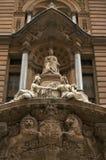 Escultura de mármore da rainha Victoria Grâ Bretanha, Londres fotos de stock