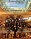 Escultura de madeira da árvore Fotos de Stock Royalty Free