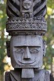 Escultura de madeira tradicional no templo em Ubud, Bali, Indonésia Foto de Stock Royalty Free