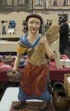 Escultura de madeira velha na feira da ladra em Zagreb, Croácia Imagem de Stock