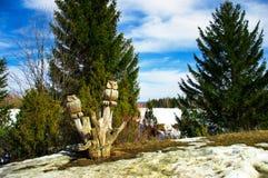 Escultura de madera de un búho Imagen de archivo libre de regalías