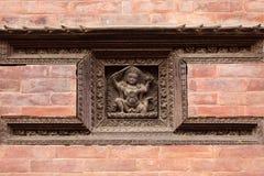 Escultura de madera tallada hindú Imágenes de archivo libres de regalías