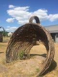 Escultura de mimbre de las ramitas en Wedgwood foto de archivo libre de regalías
