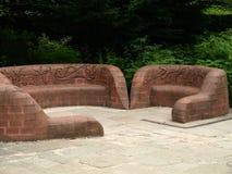 Escultura de pedra do assento na abadia nottingham de Rufford perto da floresta de sherwood Reino Unido foto de stock