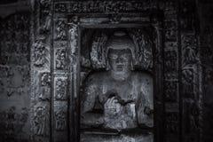 Escultura de pedra em cavernas de Ajanta Fotos de Stock