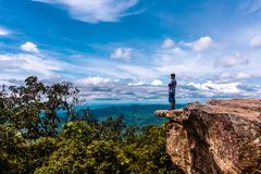 Escultura de pedra natural despercebida de Mo Hin Khao fotografia de stock royalty free