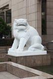 Escultura de piedra 3 del león Fotografía de archivo