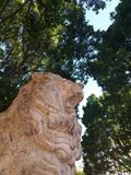 Escultura de piedra LION PARK stock photos