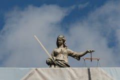 Escultura de piedra de Themis Dublin, Irlanda imágenes de archivo libres de regalías