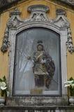 Escultura de Saint glorioso George Protetor And Defender Of Portugal de Matir na paróquia de Santa Cruz De Castelo In Lisbon fotos de stock