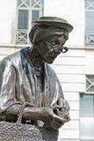 Escultura de señora Chapeau, Bruselas Imagen de archivo libre de regalías