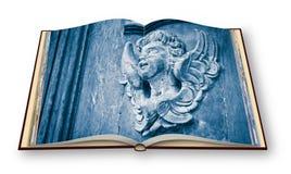 Escultura de um anjo de madeira - mais de 100 anos velho - rende 3D Foto de Stock Royalty Free