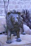 Escultura de um leão no monastério Foto de Stock Royalty Free
