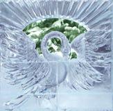 Escultura de uma cisne do gelo Imagens de Stock