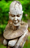 Escultura de uma mulher africana imagens de stock royalty free