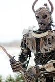 Escultura de un guerrero hecho del metal del rascado Foto de archivo libre de regalías