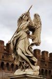 Escultura del ángel en Roma, Italia Imagen de archivo libre de regalías