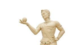 Escultura del ángel que lleva de la bola en el fondo blanco Fotografía de archivo