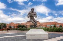 Escultura del caminante de Doak en el campus del methodist meridional Univer fotografía de archivo libre de regalías