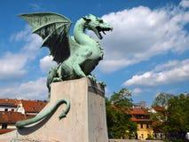Escultura del dragón en Ljubljana, Eslovenia imagen de archivo