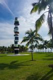 Escultura del faro en el parque de Southe Pointe en Miami Beach foto de archivo libre de regalías