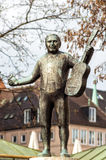 Escultura del hombre con una guitarra imagen de archivo