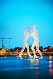 Escultura del hombre de Molecul en Berlín, Alemania Foto de archivo