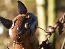 Escultura del jardín del gato del metal Imagen de archivo libre de regalías