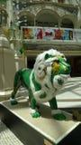 Escultura del león del casino del hotel de MGM de Macao Fotos de archivo