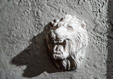 Escultura del león del estuco Foto de archivo libre de regalías