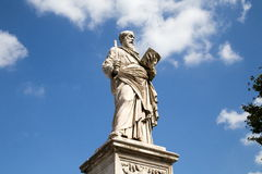 Escultura del puente del ángel del santo fotos de archivo