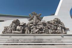 Escultura delante del museo de la cultura maya, chetumal, México de Mestizaje Fotografía de archivo