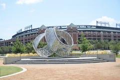 Escultura do arco da unidade, Arlington, Texas fotografia de stock
