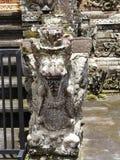 Escultura do Balinese nos templos Imagens de Stock