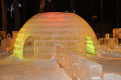 Escultura do gelo de um dragão Imagens de Stock