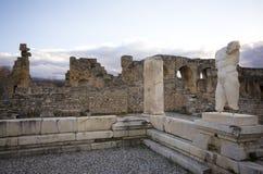 Escultura do homem em ruínas da cidade antiga dos Aphrodisias, Aydin/Turquia fotografia de stock royalty free
