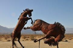 Escultura do metal do cavalo do garanhão no deserto Califórnia de Anza Borrego imagem de stock