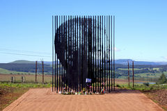 Escultura do metal do local de Nelson Mandela At His Capture Imagens de Stock