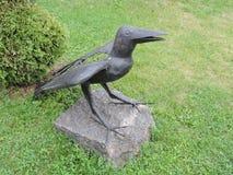 Escultura do pássaro do corvo Fotos de Stock Royalty Free
