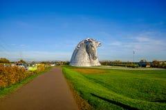A escultura dos Kelpies por Andy Scott, Falkirk, Escócia imagens de stock royalty free