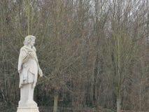 Escultura en el ámbito nacional del parque de Saint Cloud imagen de archivo libre de regalías